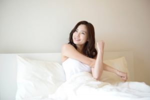 朝すっきり起きられる女性