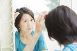薄毛を何とかしたい女性