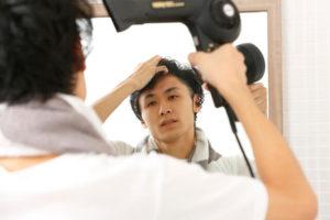 髪を乾かして抜け毛予防