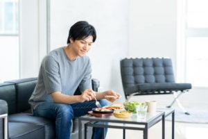 食事に気を付ける薄毛男性